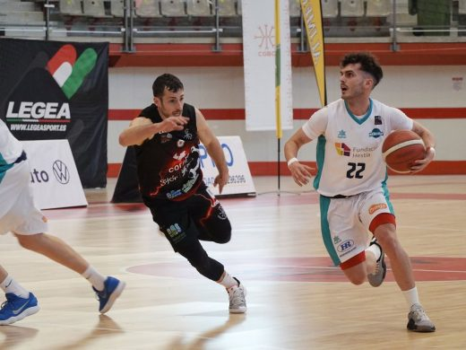 (Fotos) Pitu Jiménez lidera un triunfo de mucho mérito en Gijón