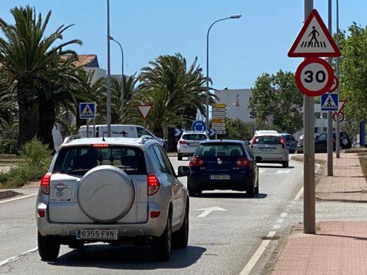 Señal de velocidad a la entrada a Maó (Foto: Tolo Mercadal)