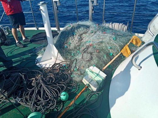 Localizan tres redes ilegales para la captura de langosta en aguas de Menorca
