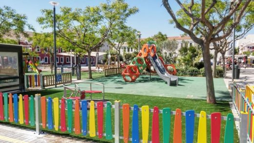 Parque infantil de la Plaza Esplanada de Es Castell
