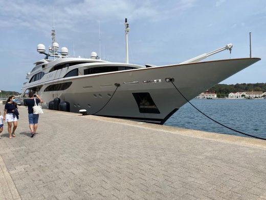 Gran lujo en el puerto de Maó