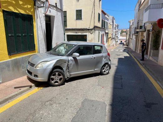 (Fotos) Accidente de tráfico en la calle Sant Andreu de Maó
