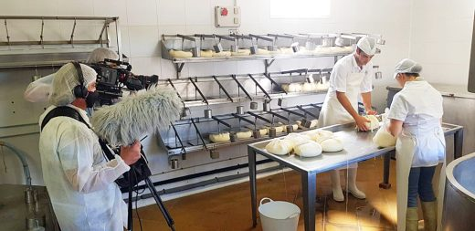 La tradicional manera de elaborar queso en la isla