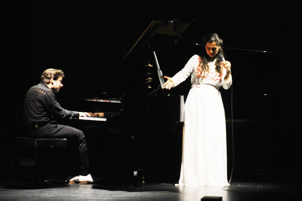 Sílvia Pérez Cruz, junto a Marco Mezquida.
