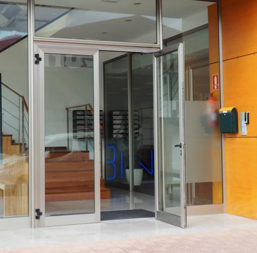 Puerta de entrada del Centre BIT de Alaior