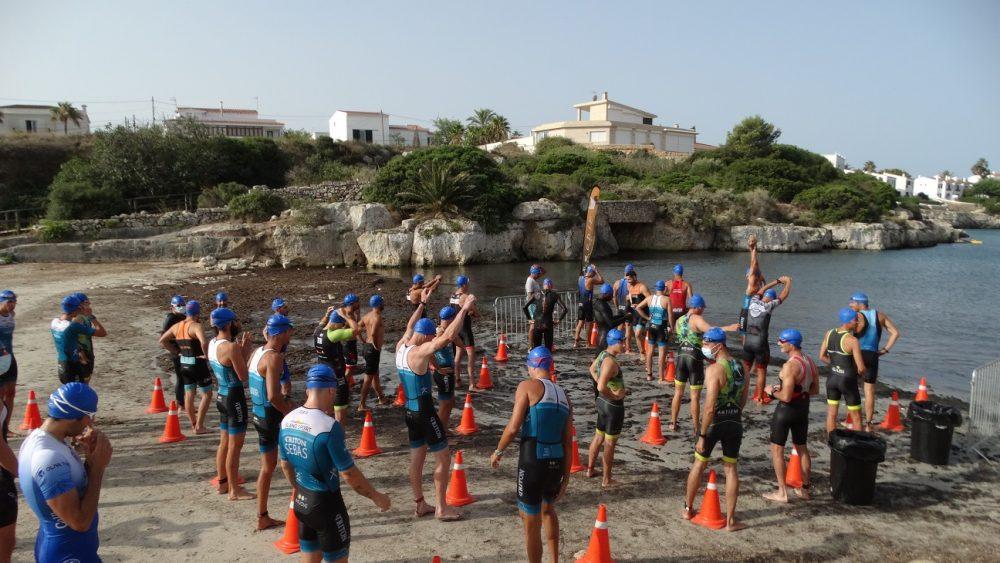 Un momento del inicio del triatlón (Foto: Cris Ruiz)