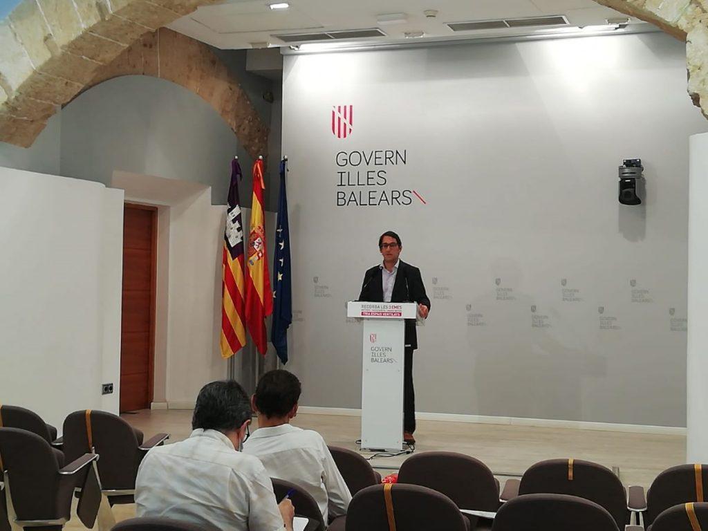El conseller Iago Negueruela en la rueda de prensa de este lunes
