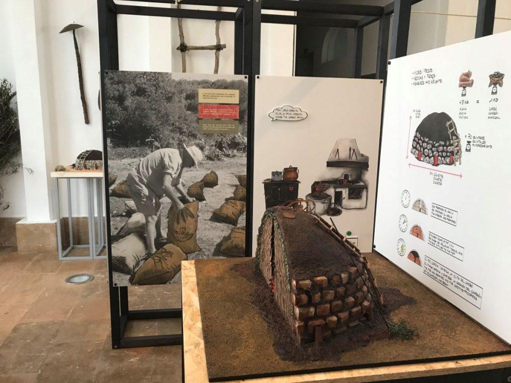 El oficio de carbonero en el Centro Artesanal de Menorca