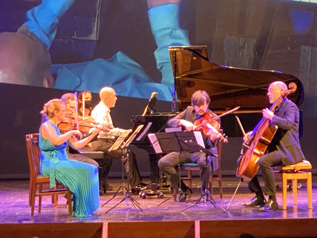 Un momento del recital (Fotos: Tolo Mercadal)