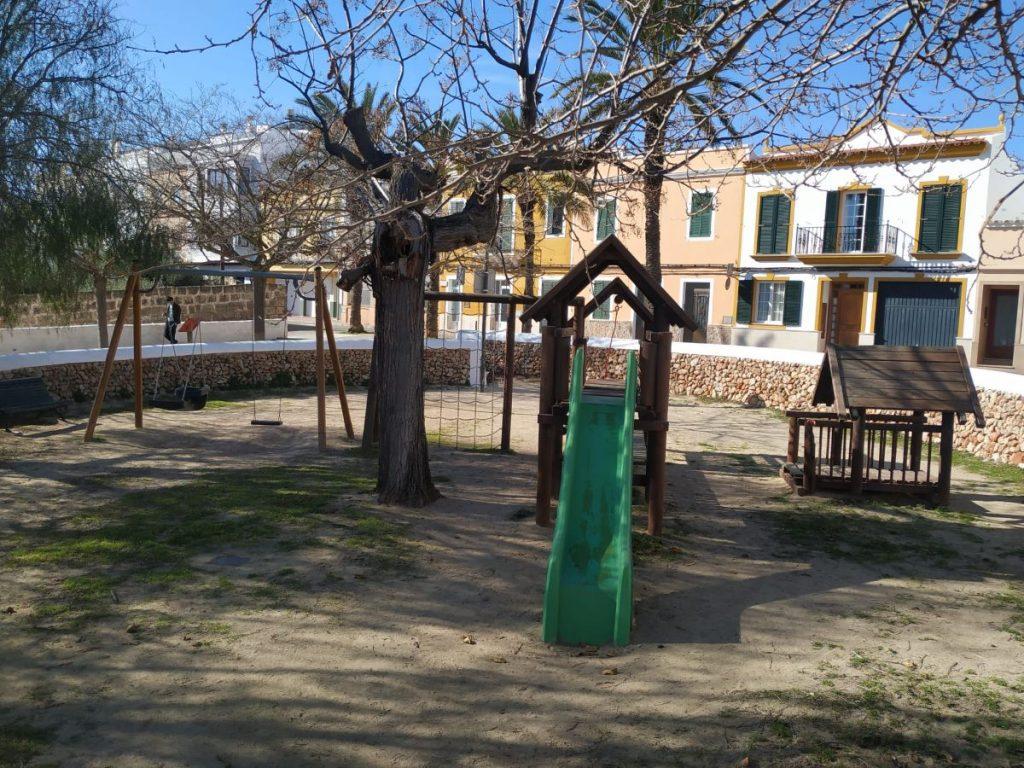Parque infantil Dalt es Penyals