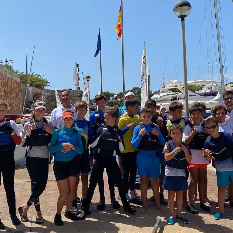 Los regatistas este fin de semana en Ciutadella (Foto: CN Ciutadella)