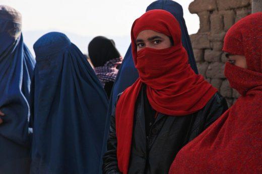 Mujeres de Afganistán (Imagen de Amber Clay en Pixabay)