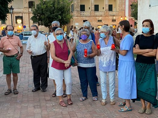 (Fotos) Un grito de solidaridad con las mujeres afganas desde Ciutadella