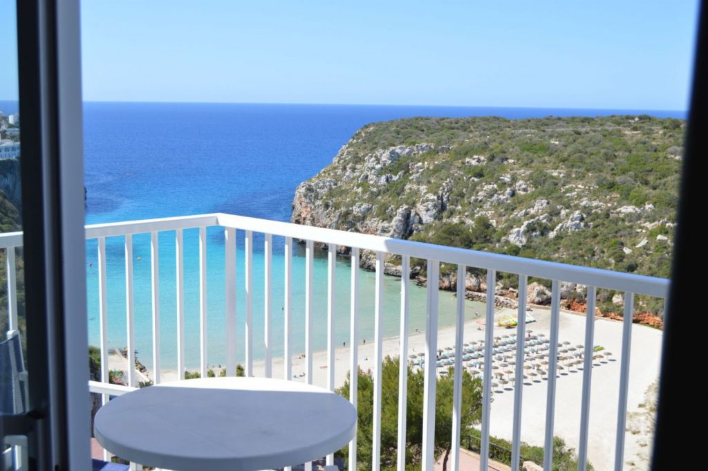 Imagen desde el Hostal Playa Azul de Cala'n Porter (Foto: web Set Hotels)