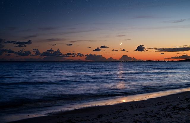 beach-4481919_640