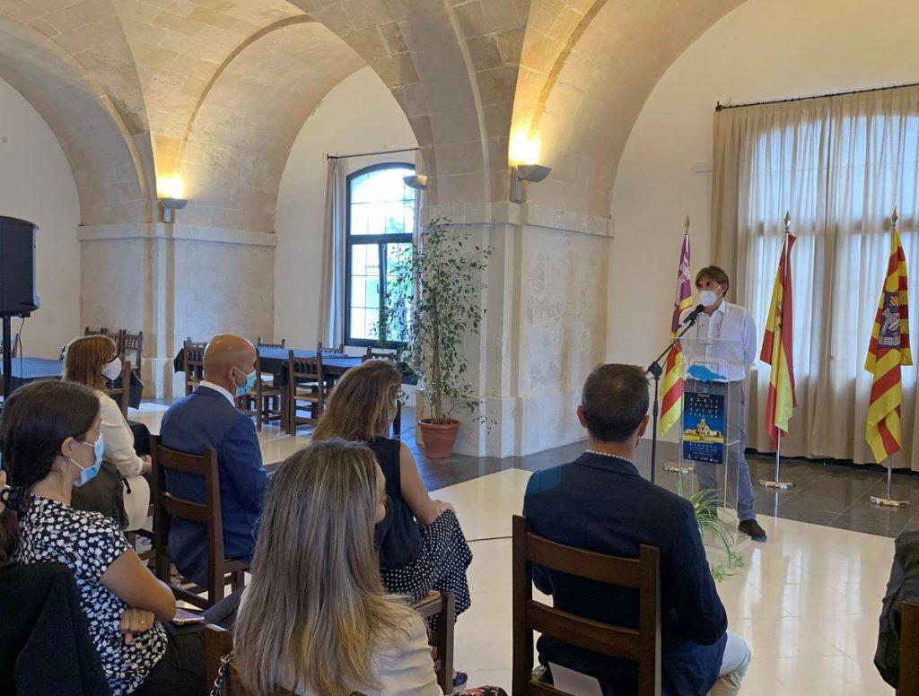 Maties Torrent, director de la Escola de Salut Pública de Menorca en el acto de inauguración