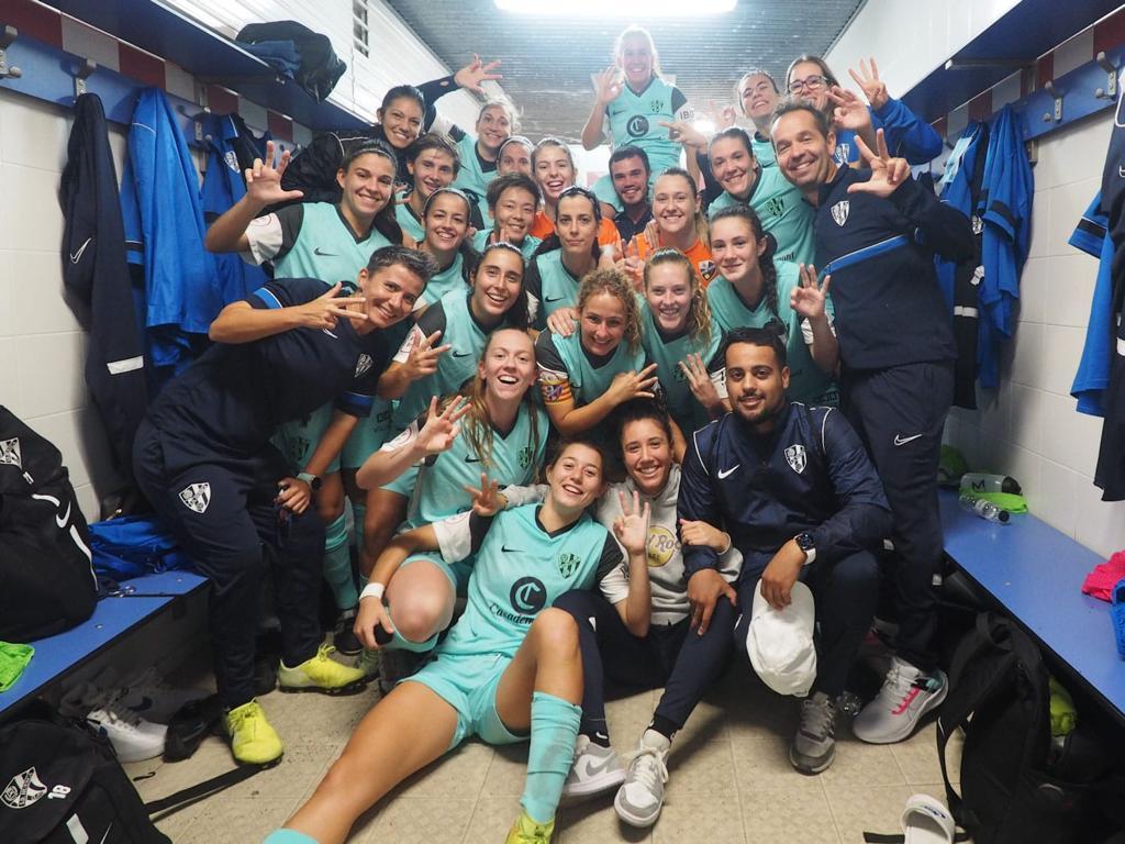 Celebración del Huesca tras la victoria.