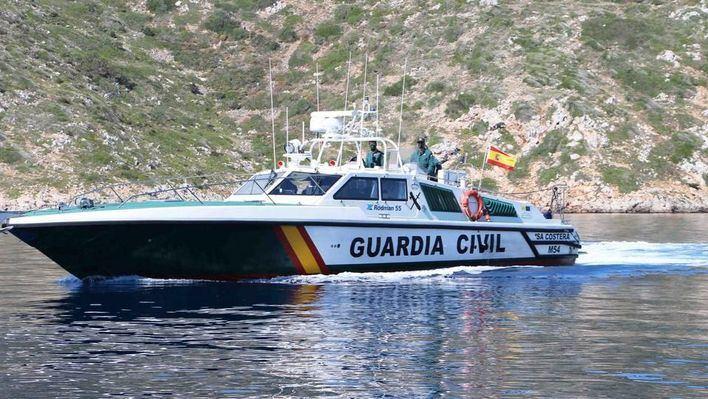 Embarcación costera de la Guardia Civil.