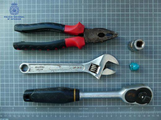 Imagen de los utensilios utilizados para el robo.