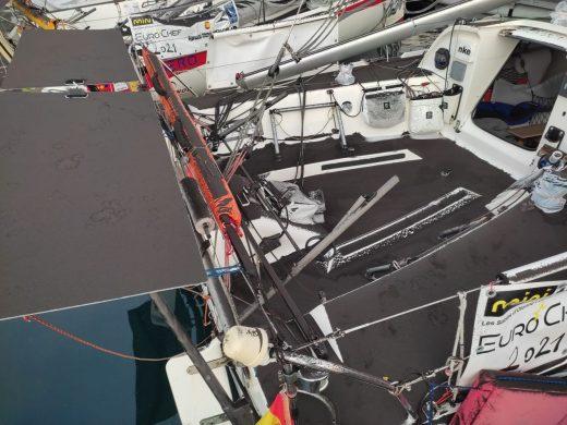 (Fotos) Las cenizas del volcán cubren el velero de Felip Moll