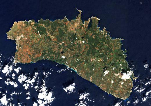 Imagen aérea de Menorca (Foto: @UEspai)